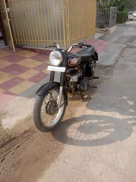 Royal Enfield Old  (Gear on Right Side)
