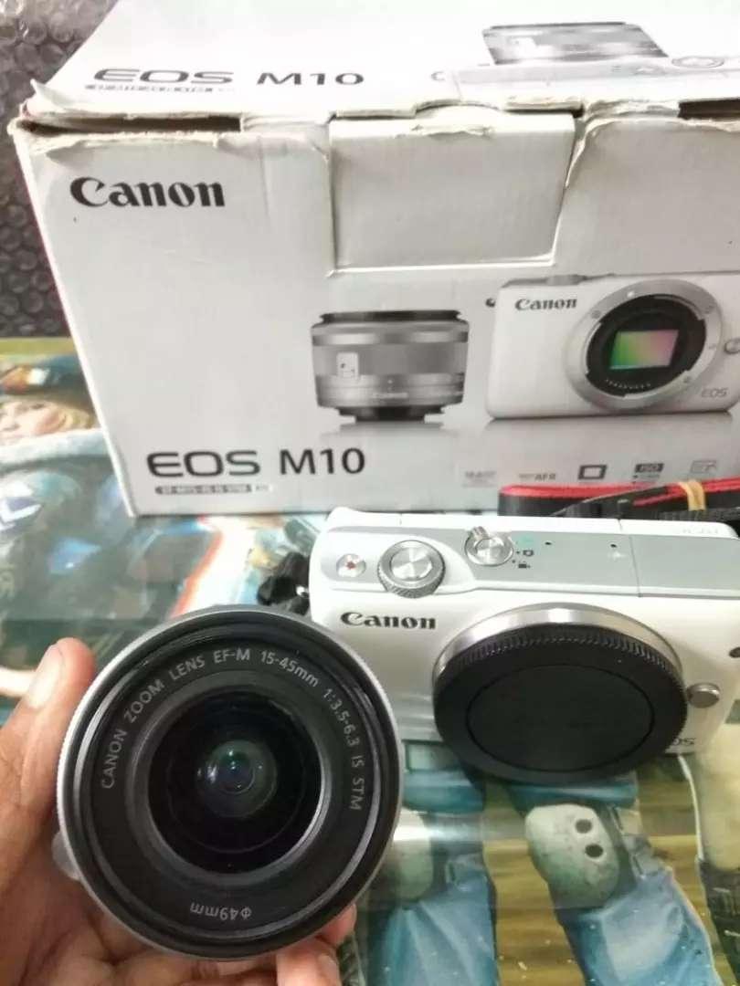 Mirrorless Canon EOS M10 (BoX) 0