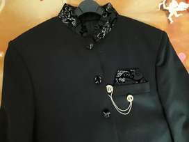 Elegant suit stitched by guide tailors