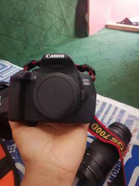 I have Canon d700  want to sale goood condition use only 45 days