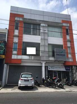 Dijual Super Murah Ruko 3 Latai Utara Hotel Tentrem. SF931