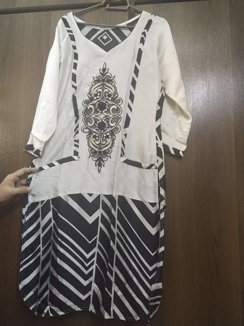 Black n white embroidered silk shirt 0
