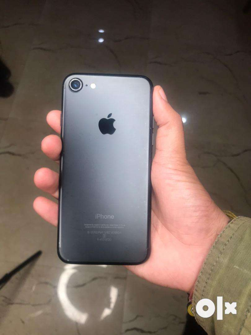 I phone 7 32gb 0
