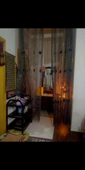 Flat near to shafi market saddar