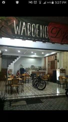 Ruko/cafe 2 lantai. 1KT( KM dlm).1 km luar. 1dapur