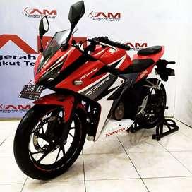 Honda cbr150 facelift red th. 2017