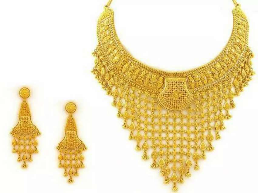 Gold sell in mansehra 21 karat 10% discount phly check krwayen 0