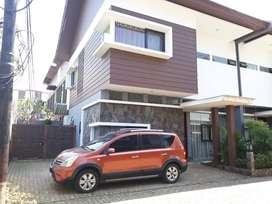 Rumah 2 Lantai Dekat Pintu Tol di Cibubur