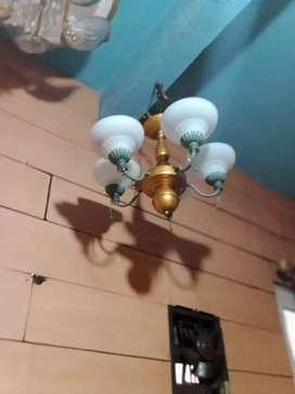 Lampu gantung 5 bohlam