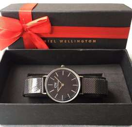 Jam tangan dw cewek fullset black magnetic