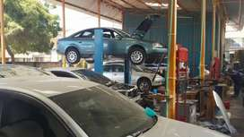 Need qualified and experienced car technicians