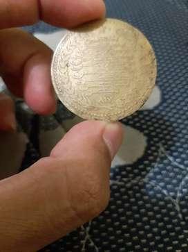 Uang logam dan kertas dan koin kuno