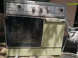 Used cooking range for Home Gass. Very few used