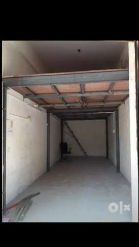 Available shop or office for rent