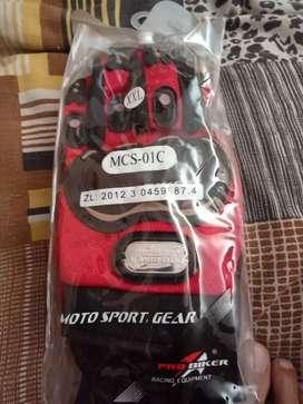 Brand New never used.. biking gloves for sale