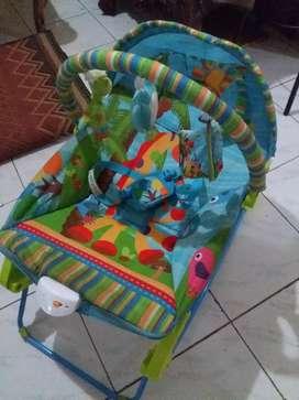 Baby bouncer dan gendongan baby carier