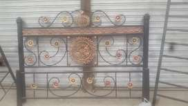 Double bed rawd iron