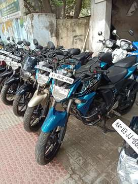 Version 2.0 yamaha fzs 2015 showroom condition clear paper
