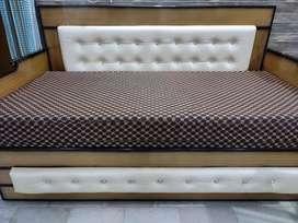 Folding dewaan bed