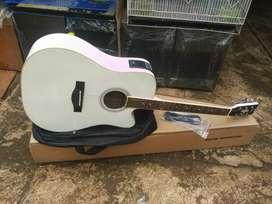 Gitar jumbo siprus
