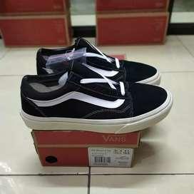 Sepatu Vans Oldskool OG Black White (Free kaos kaki Premium)