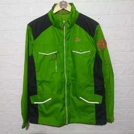 Jaket outdoor waterproof