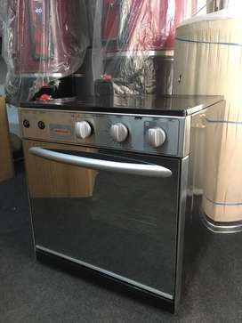 Admiral Gas Baking oven with timer and grilling backed by warranty