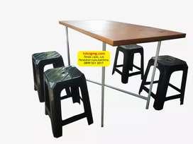 Meja Lipat dan 4 kursi cocok untuk warung makan