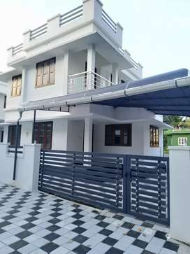3 bhk 1400 sqft 3 cent new build at kakkanad pukattupay  kunjattukara