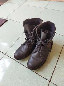 Sepatu pdl full tali size 42 + baju security