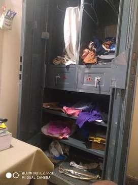 Happy gejed wardrobe