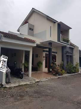 diJUAL Cepat! Rumah 2 Lantai dalam Perum di Wedomartani