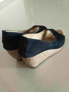 Platform heels for women, black, size 7