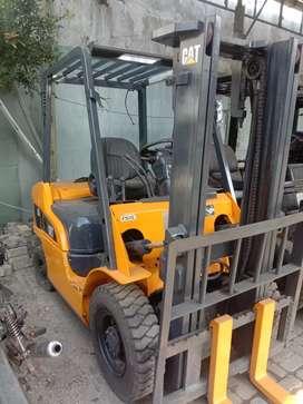 Forklift catterpilar 2,5 Ton