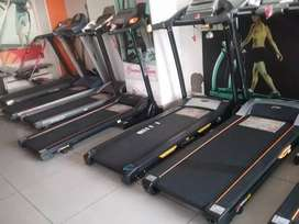 Treadmill hi treadmill / exercise cycles/ dumbbells