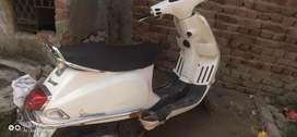 Vespa white 125cc vespa s rocket pickup