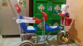 Jual sepeda anak Merk FAMILY bonus + bak mandi dan keranjang baju