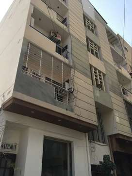 1000 square feet apartment available for rent