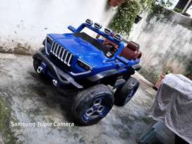 Toy car two sitter cheap price