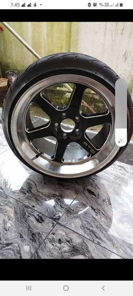 Alloy with new tyre for sale,114pcds,18inch alloy,10.5j