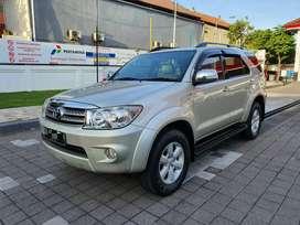 Toyota Fortuner DIESEL AT 2.5 2010 full ori