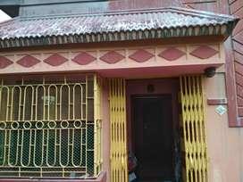 2 BHK HOUSE FOR RENT NEAR THAKURPUKUR/SILPARA. SMALL FAMILY NEEDED