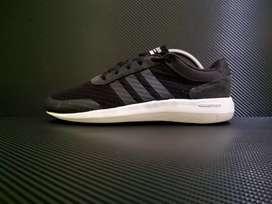 Sepatu Adidas cf race