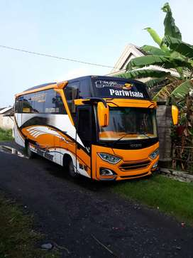 Medium bus 2019 isuzu nqr71