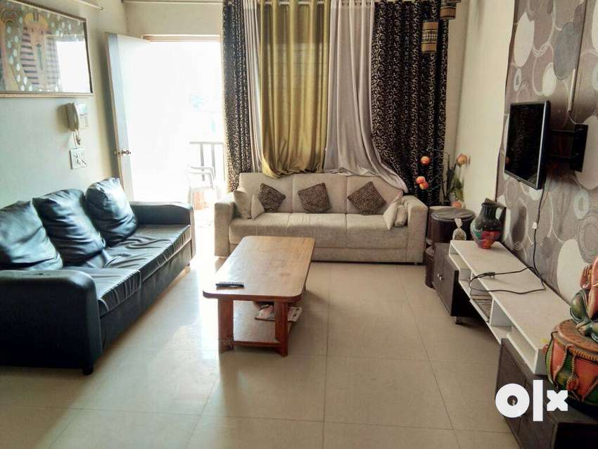 GOOD PROPERTY OF 3 BHK FULLY FURNISHED FLAT FOR RENT AT NEW ALKAPURI