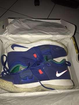 Nike pg 2,5 size 43