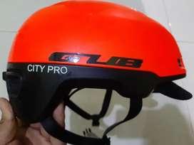 Helm sepeda City Pro