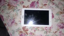 Very good condition tablet of samsung brand