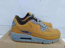 Air max 90 wheat brown sneakers suede