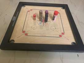 Carom Board with 2 strikers and Powder